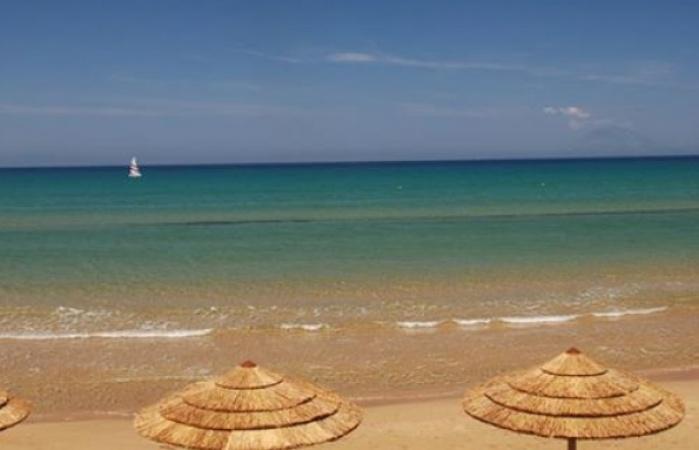 Golden beach4_595_450_95